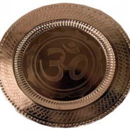 Puja en rituelen dienblad OM